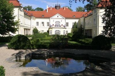 CEC Sets Up European Office in Szidonia Castle, Hungary to Offer Bilateral EU-UK Trade Support