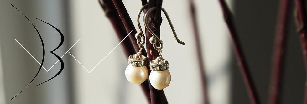 Simple Freshwater Pearl Hook Earring