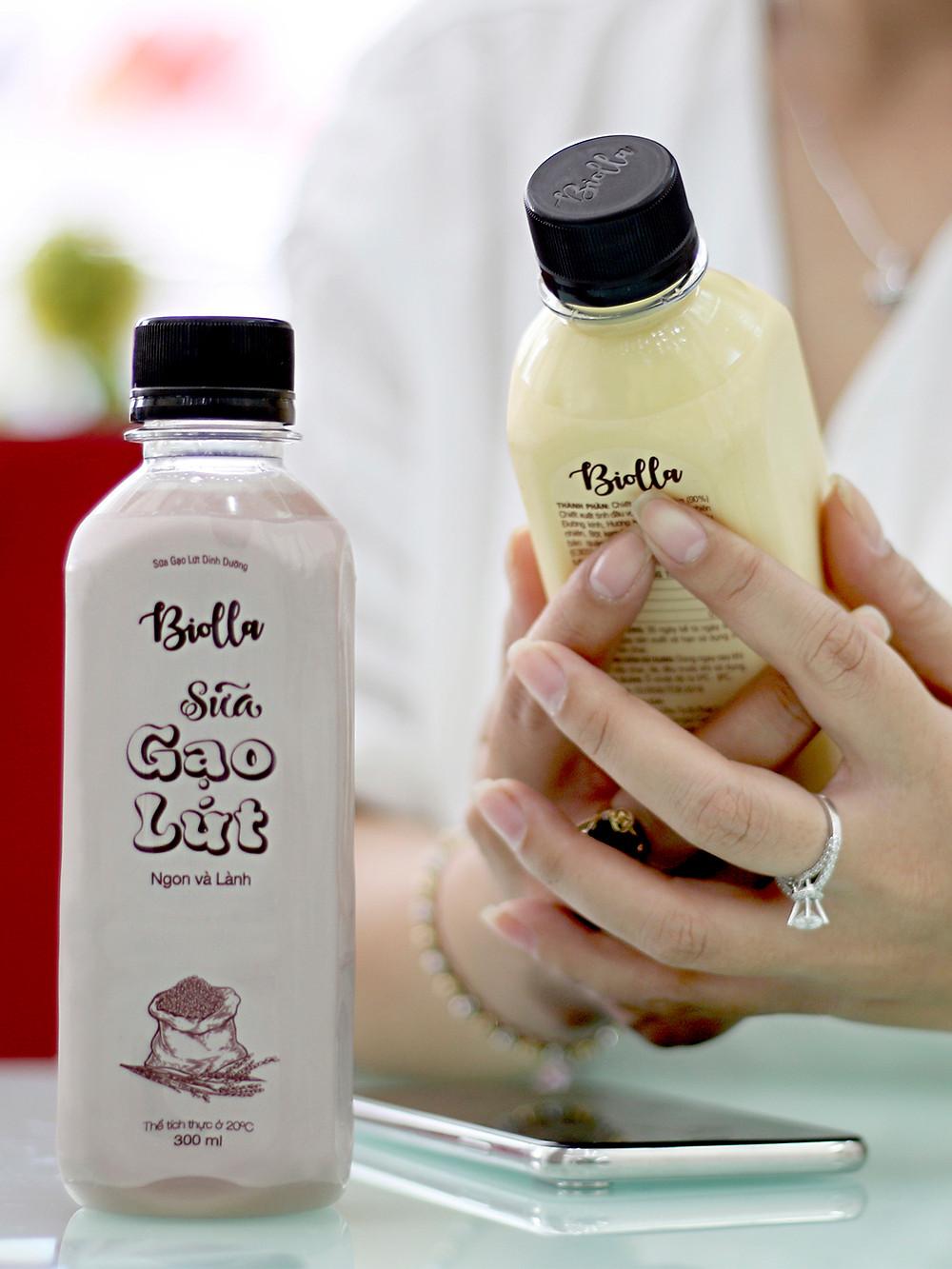 Sản phẩm sữa Biolla (Ảnh: Polly Lê)