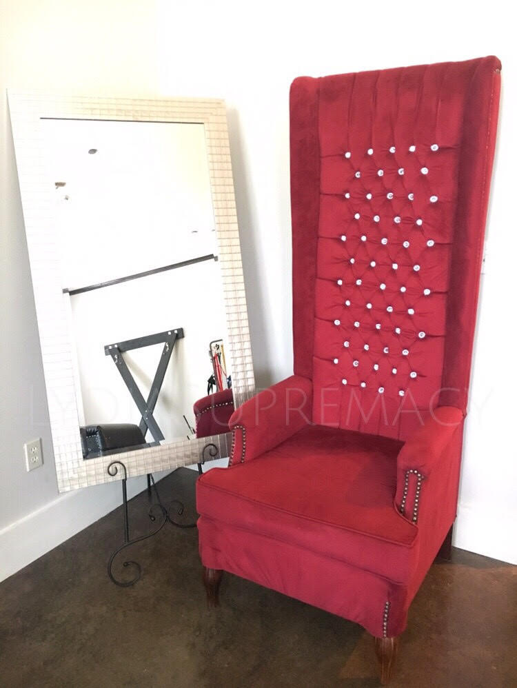 dallasdungeon.throne.jpg