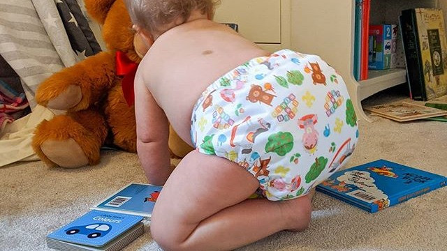 Crawling baby in Tots Bots Royal Baby Celebration Print