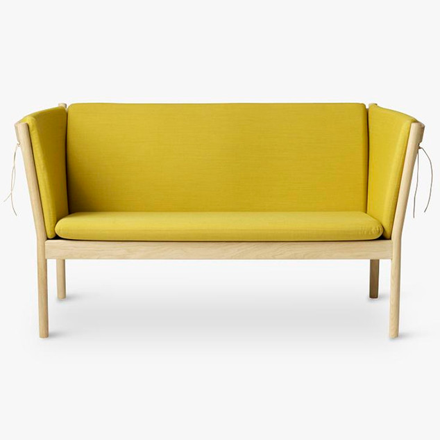 J148 tremmesofa, designet af møbelarkitekt Erik Ole Jørgensen for FDB Møbler