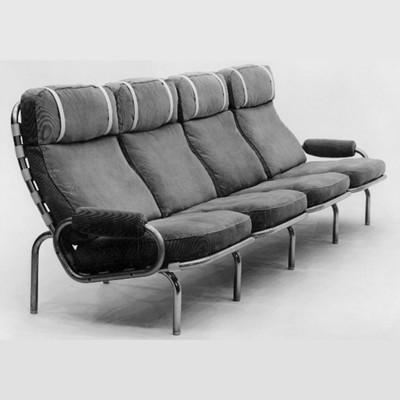 Lænestole designet af møbelarkitekt Erik Ole Jørgensen for Georg Jørgensen & Søn