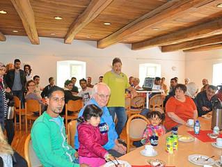 """Die WN berichtet über die Eröffnung vom """"Cafe International"""" mit dabei  das Foto-Projekt &"""