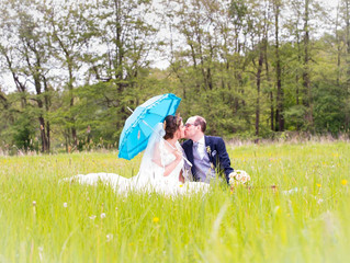 Hochzeitspicknick, Fotoshooting bei bestem Sommerwetter. Wunderbar!