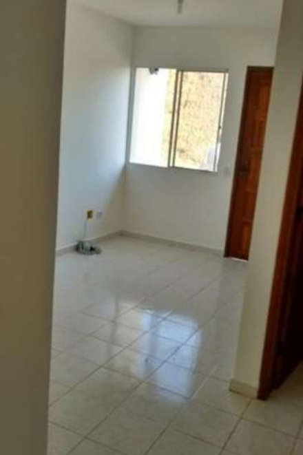 Casa de condomínio - Embu Guaçu - 2 Dormitórios