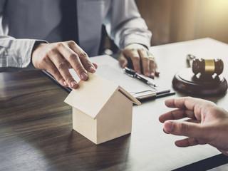 Comprar imóvel alugado é um problema?