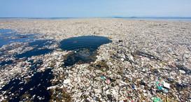 В-Черном-море-найдены-мусорные-острова.j