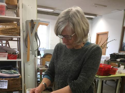 Montering af folderholdere til urnefoldere
