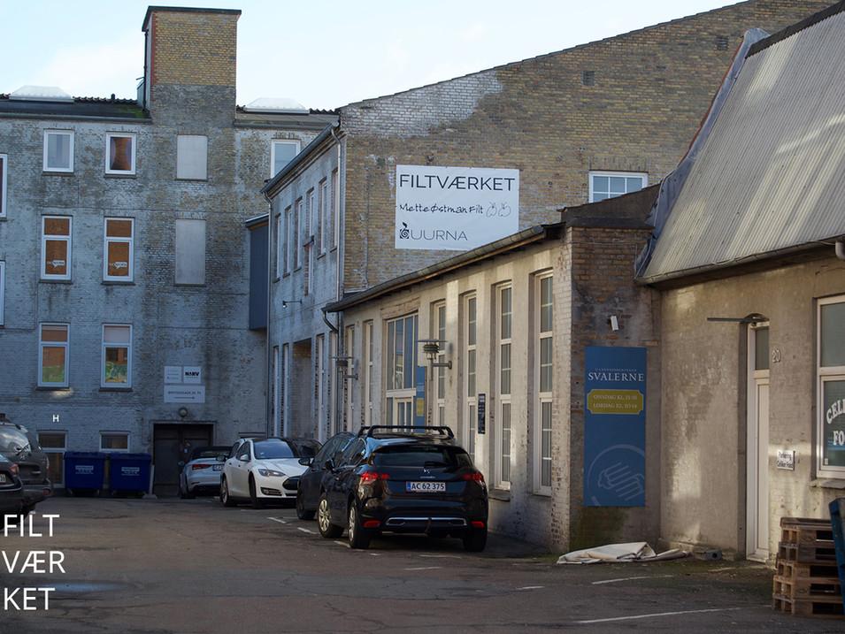Filtværkets facade - med banner