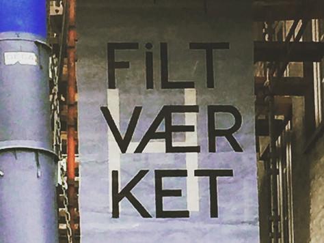 Malet banner, der viste vej til Åbne Døre