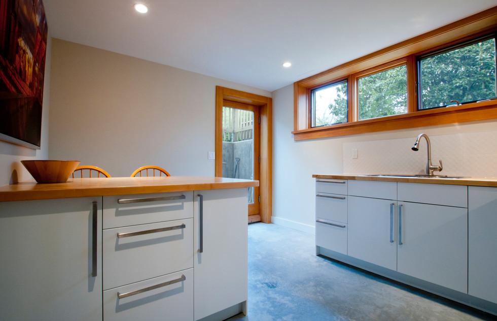 10 Basement kitchen.jpg