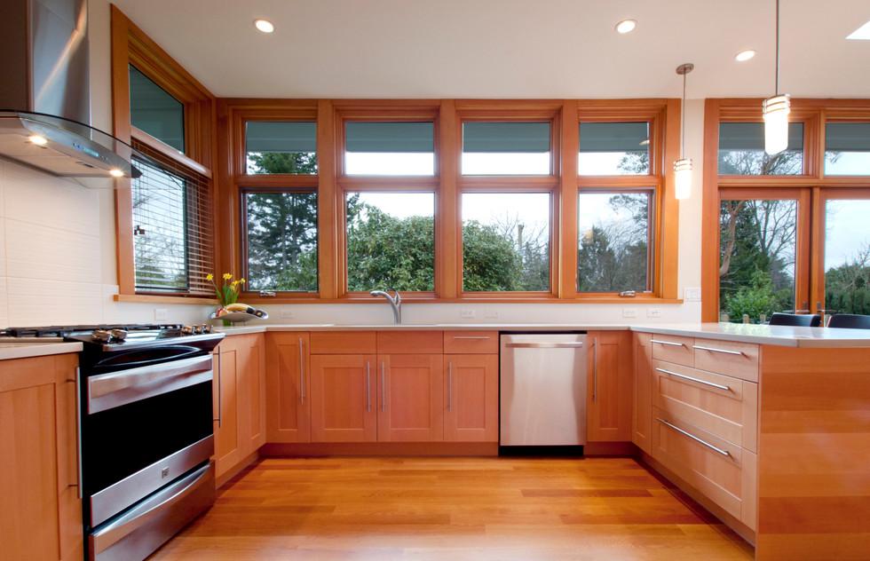 2 Kitchen.jpg