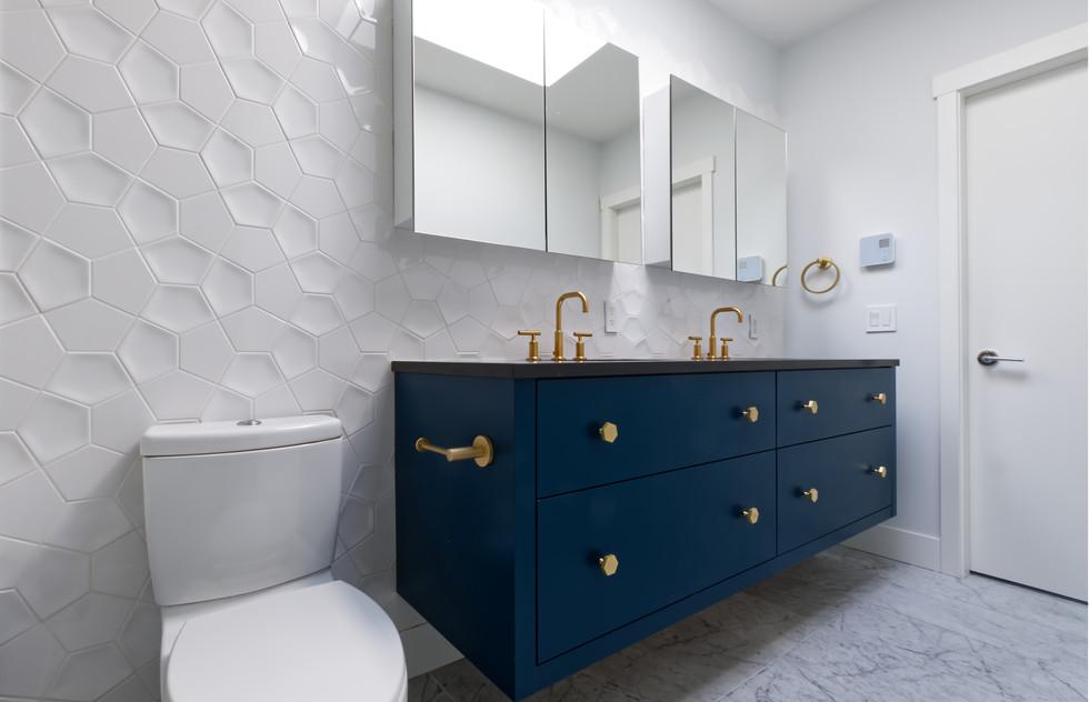 Bathroom master.jpg