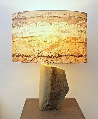 Lampe avec abat-jour en soie peinte