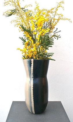 Vase tourné