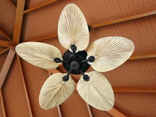 מה ההבדל בין מותגי מאווררי התקרה השונים?