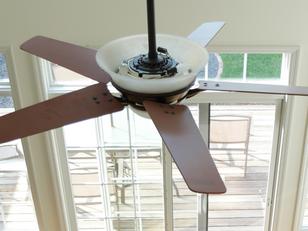 כמה עולה להתקין מאוורר תקרה?