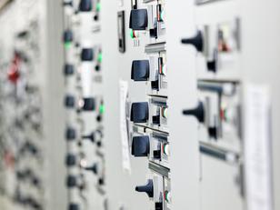 החלפת ארון חשמל: כיצד היא מתבצעת ומה חשוב לדעת?