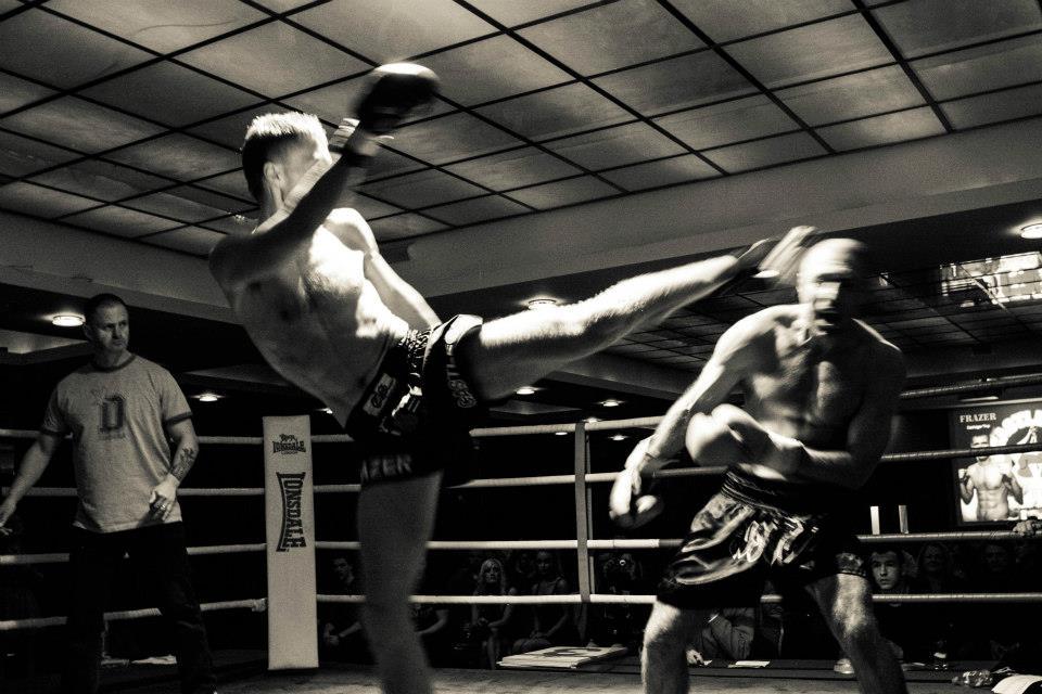 head kick KO