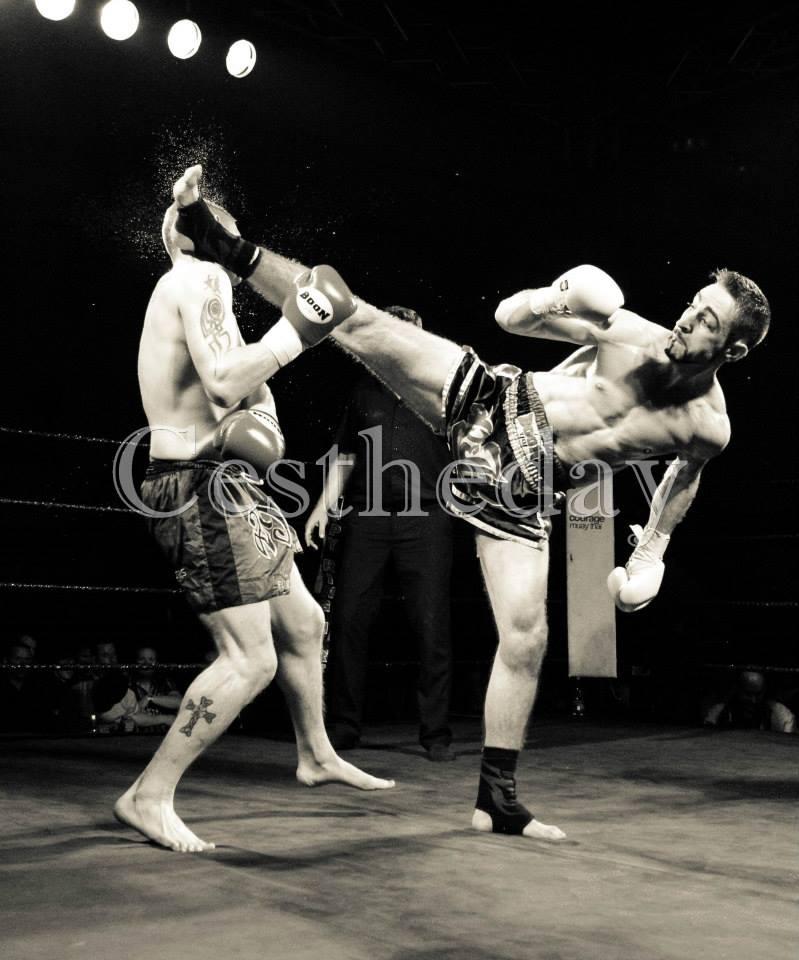 T Bob spinning kick KO