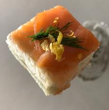 Canapé de salmón