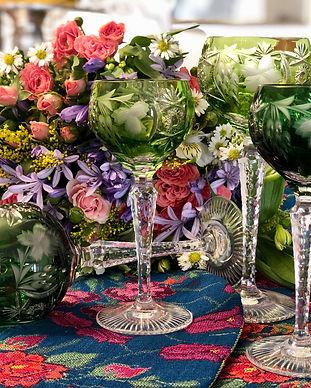 Copas verdes de vino de val saint lambert, flores,ramo de flores flores silvestres, camino de mesa de flores