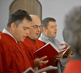 Choir 3 men_250.jpg