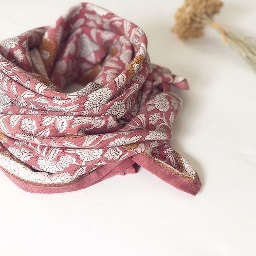 "foulard latika ""coeur"" bois de rose APACHES"