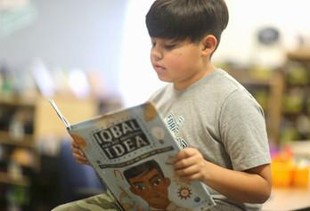 Elementary_boy_reading