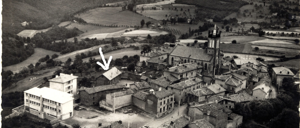 Vue aérienne de l'école dans les années 50