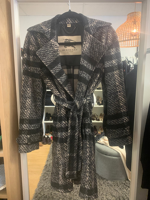 Burberry Coat Size Medium