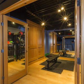 Hanley Golf Studio Gym Equipment