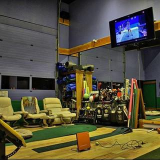 Hanley Golf Studio Putting Practice area