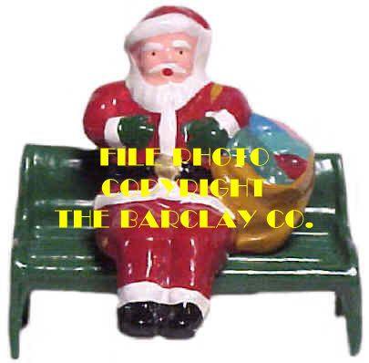 #4009 - Santa On Bench