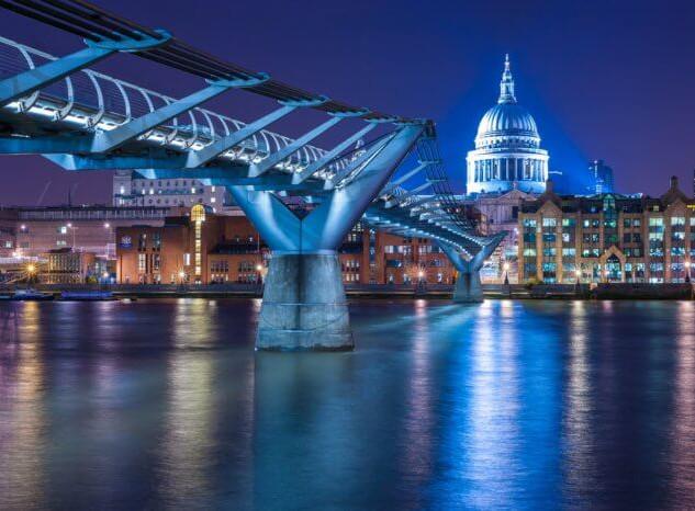 Millennium-Bridge_2.jpg