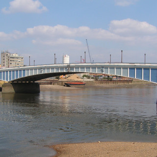 Wandsworth-Bridge_2.jpg