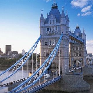 Iconic London_Tower-Bridge_4.jpg
