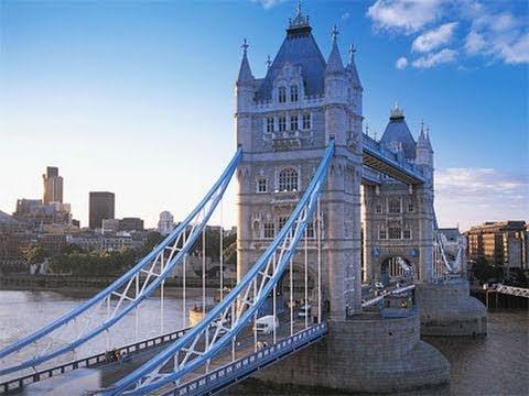 Iconic London_Tower-Bridge_4.jpg