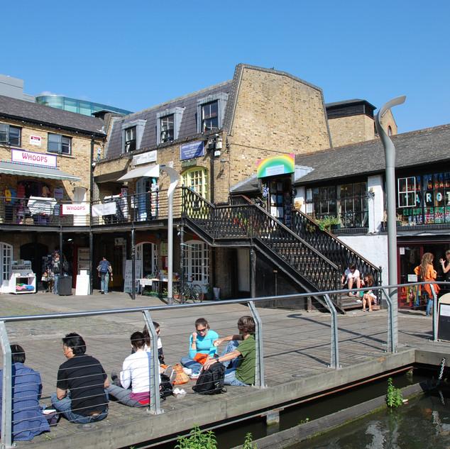 camden-lock-market-area-10.jpg