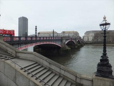 Lambeth Bridge_2.jpg