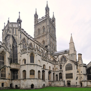 Gloucester-Cathedral_2.jpg