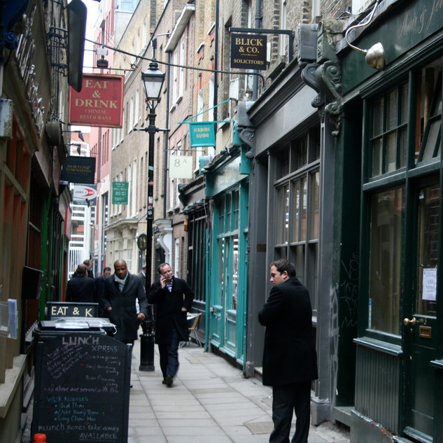 London-Alleyways_15
