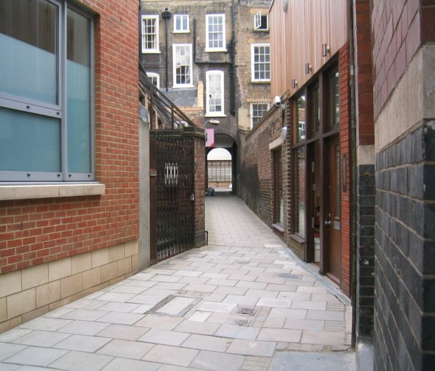 London-Alleyways_4