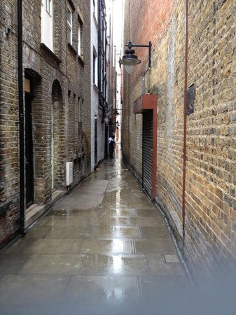 London-Alleyways_26.jpg