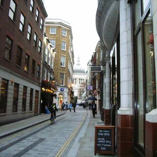 London-Alleyways_11