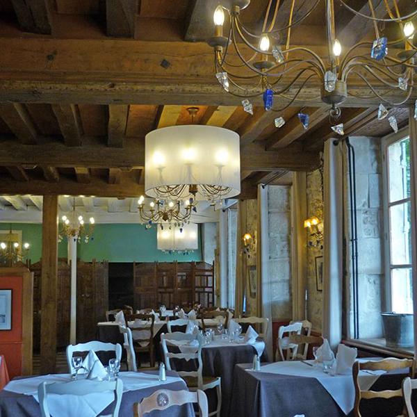 interieur-restaurant-la-marine.png