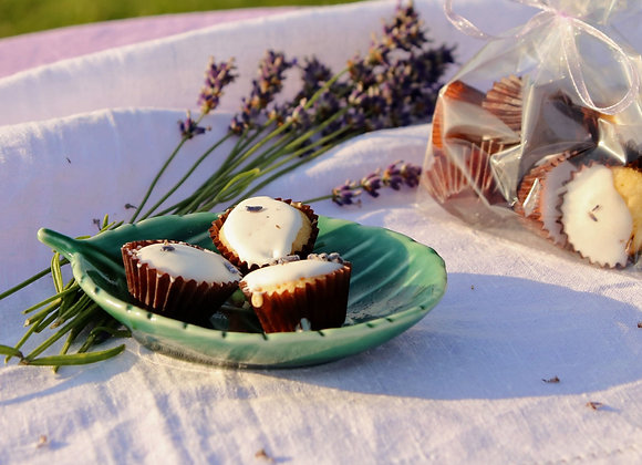 HOMEMADE LAVENDER CUPCAKES