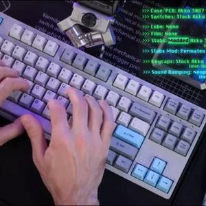 Comparison between modded/stock $85 Akko 3087 keyboard