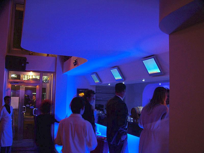 Mavi Papağan Bar